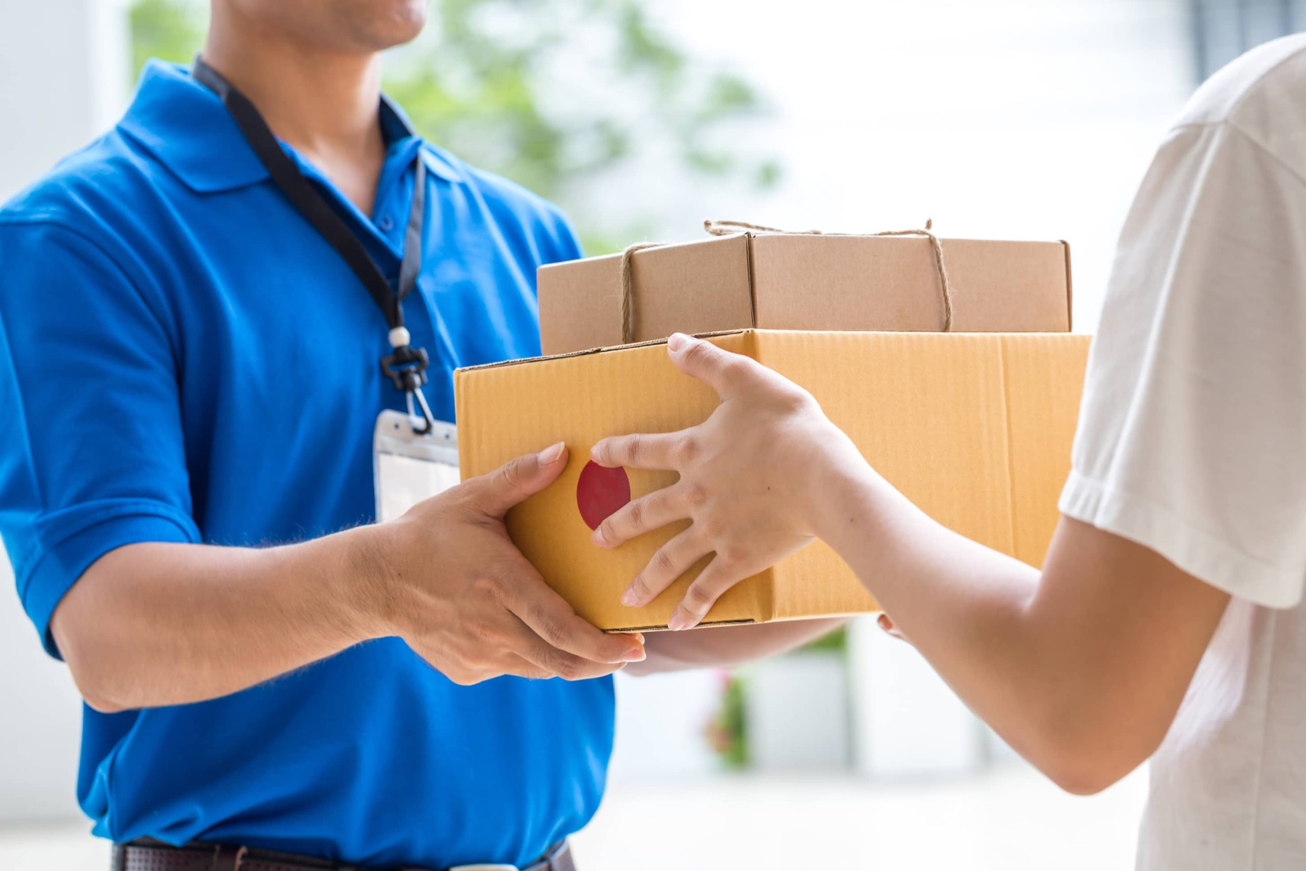 службы доставки показывают взрывной рост бизнеса